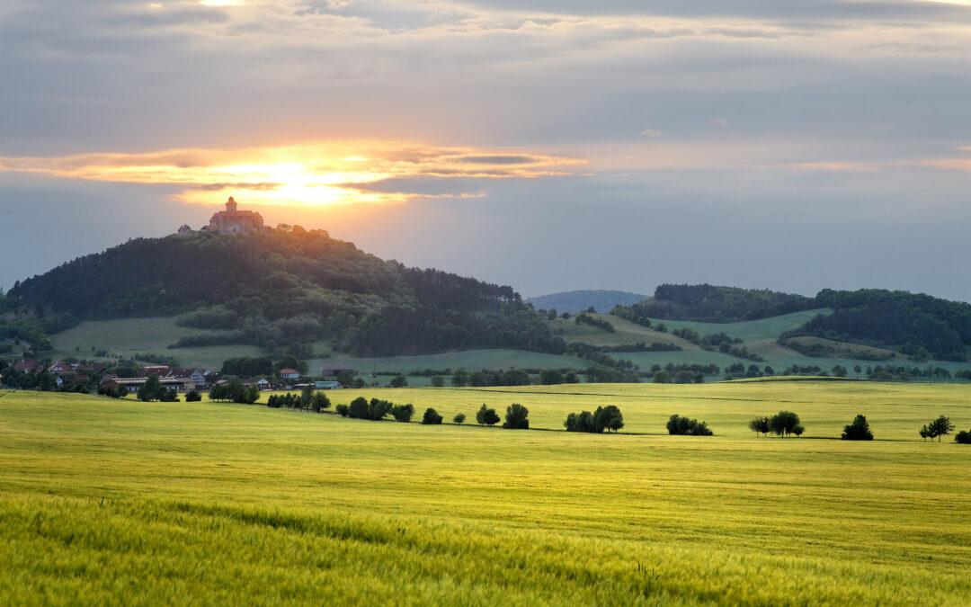 """Naturschutz: Thüringen hat mit """"Inselsberg – Drei Gleichen"""" einen neuen UNESCO Global Geopark in Deutschland"""