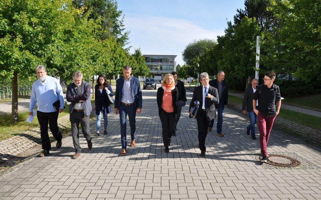 Infrastruktur-Staatssekretärin Susanna Karawanskij zu Besuch bei der TU Ilmenau