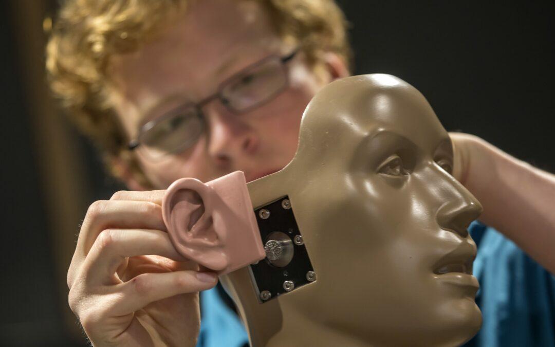 Brandenburg Labs und TU Ilmenau entwickeln Spezialkopfhörer zur Therapie von Tinnitus