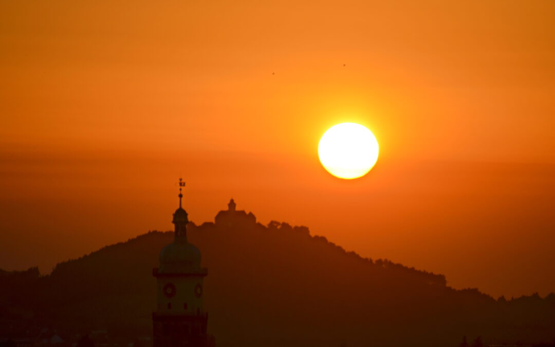 Wanderung in den Sonnenuntergang – eine von vielen online buchbaren Stadtführungen in Arnstadt